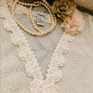 Pinky Lace cover